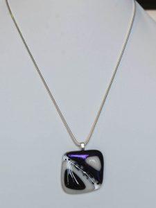 chatou-verre-vitrail-collier-b23